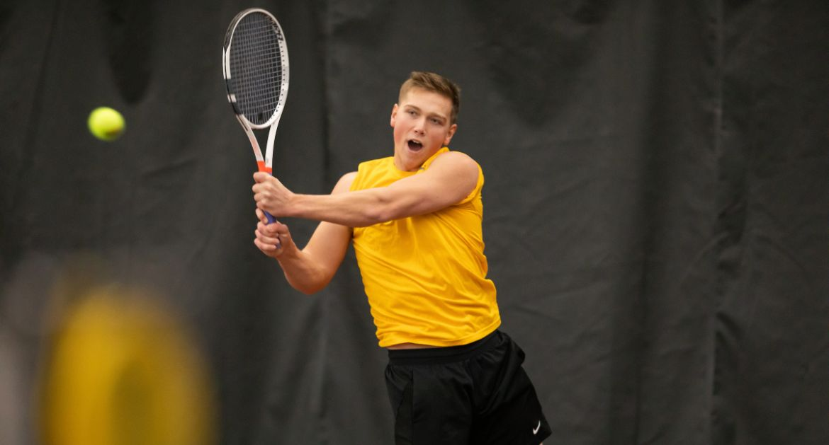 Men's Tennis Uses Complete Team Effort to Finish Perfect Weekend