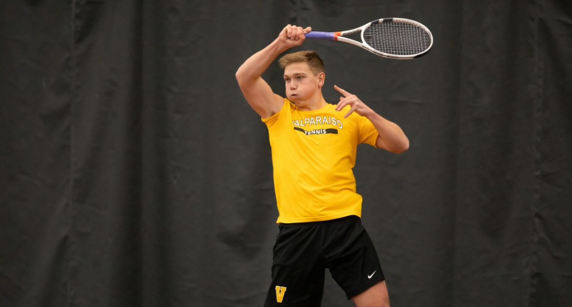 Men's Tennis Stays Red Hot, Tops Illinois State