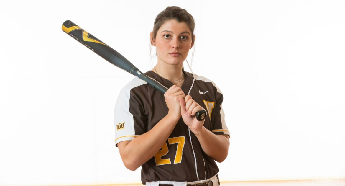 Four-Hit Game From Kehlenbrink Leads Softball to Saturday Split