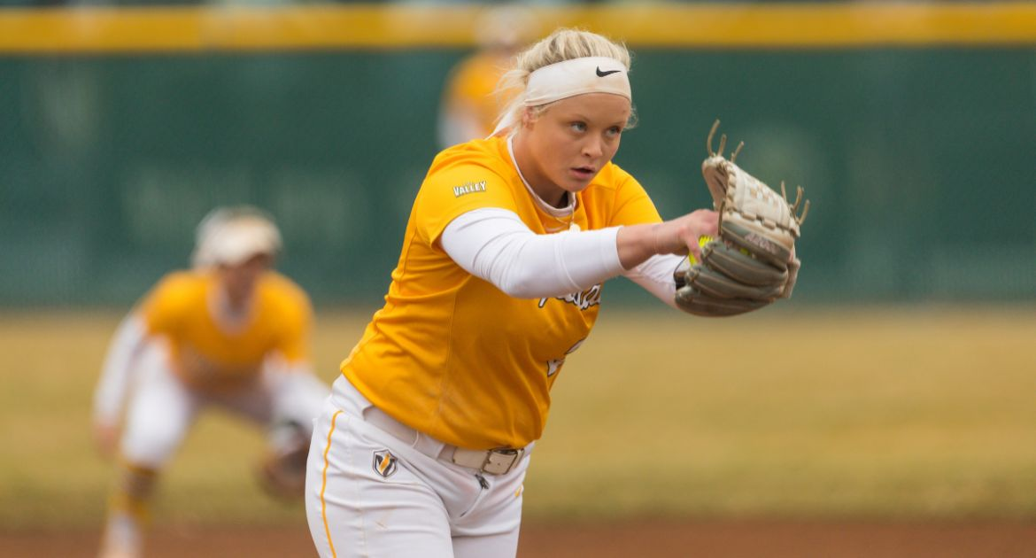 Softball Splits Pair on Day One at Gardner-Webb