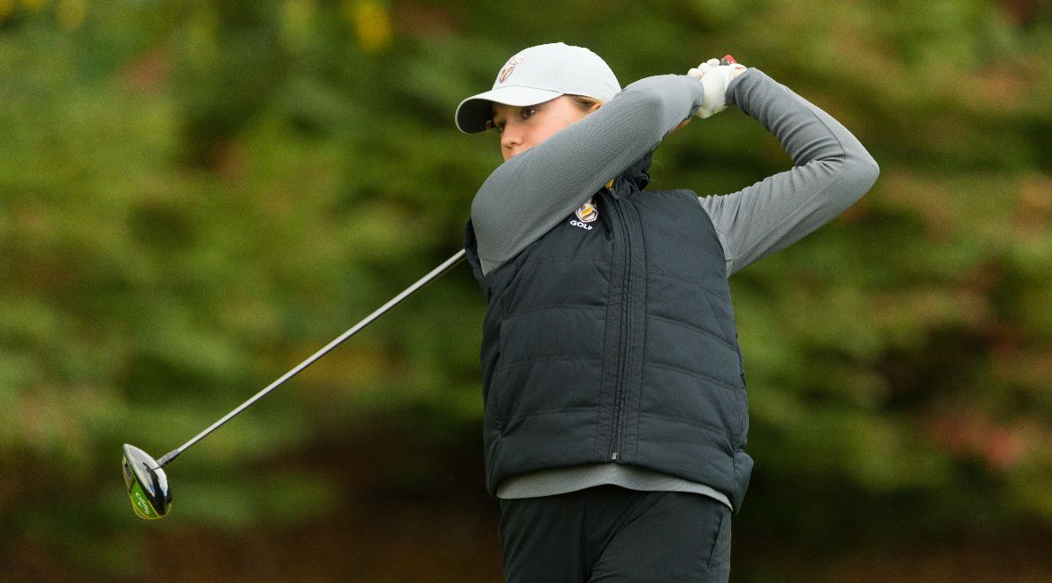 Women's Golf Climbs to Third on Team Leaderboard